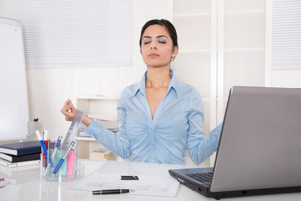 Meditation im Büro: 5 Übungen für zwischendurch