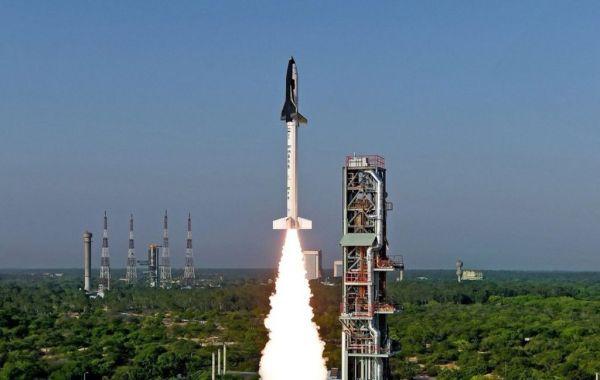 India launches mini space shuttle BBC News