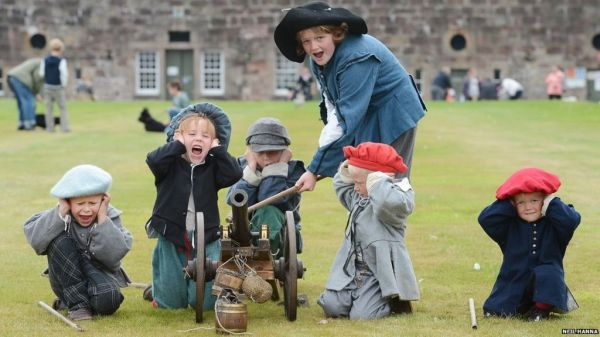 Fort George hosts Celebration of the Centuries event - BBC ...