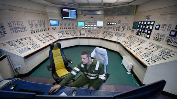 Longannet: Barge plan alternative put forward - BBC News