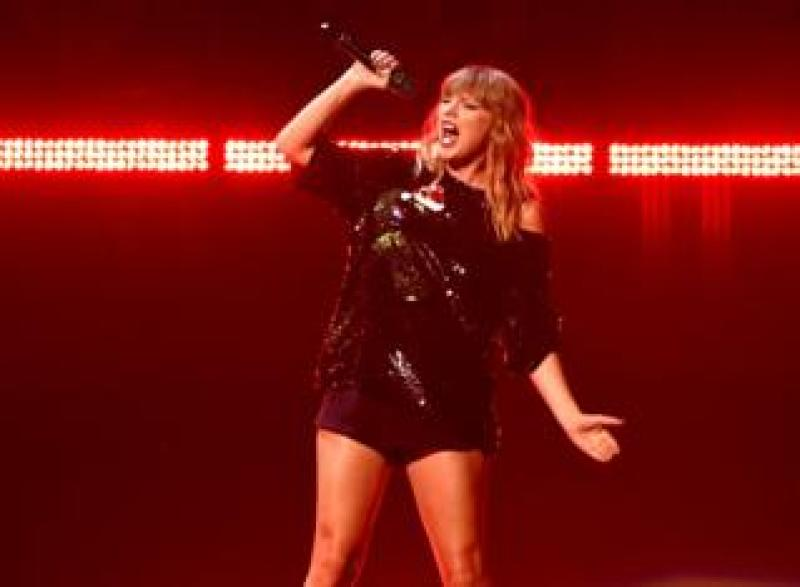 Taylor on stage
