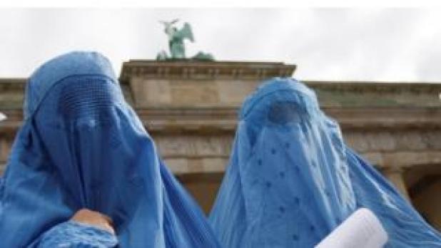 Burkas being worn in Germany (file photo)