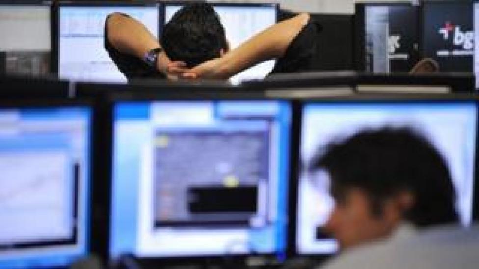 London stock brokers (file photo)