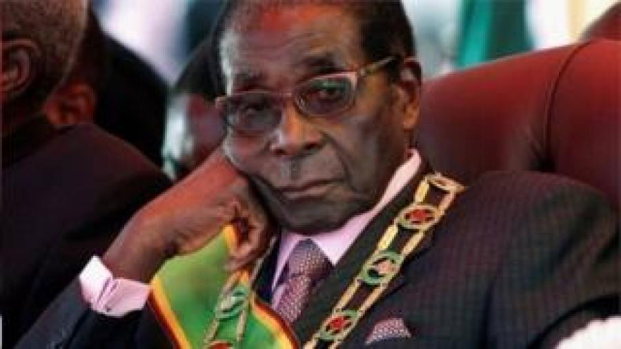 Prezida Mugabe araganira n'umukuru wa gisirikare kuri kazoza kiwe