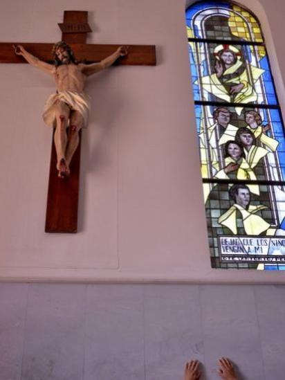 Crucifijo con la figura de Cristo.