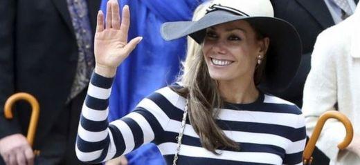 Tara Palmer-Tomkinson waving