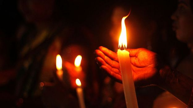 ceremonia con velas.