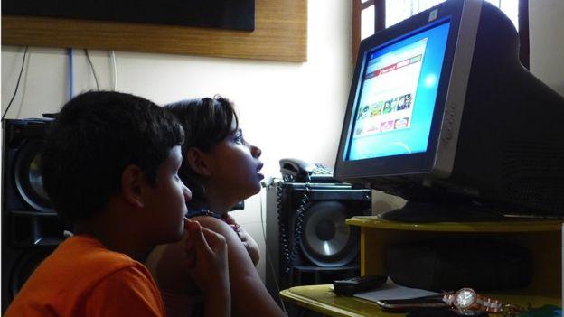 Samira and Samir, 11-year-old twins who live in Complexo da Mare in Rio