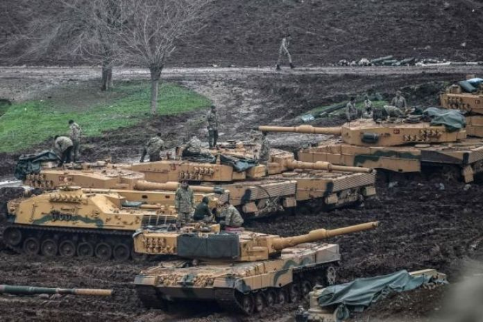 Hassa'da Suriye sınırı yakınındaki Türk tankları