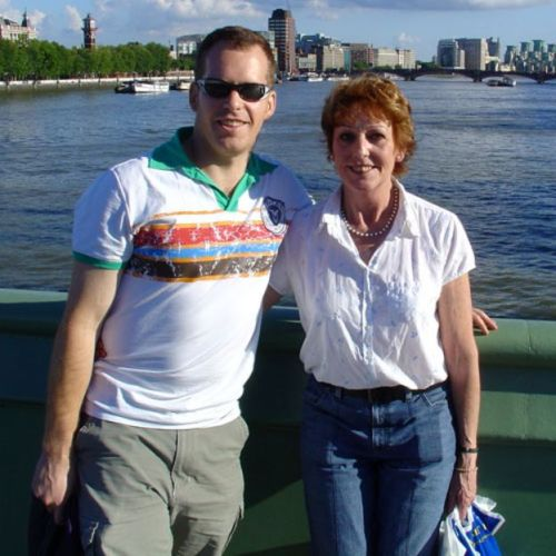 Stephen McGown y su madre Kimberly (Foto: Stephen McGown)
