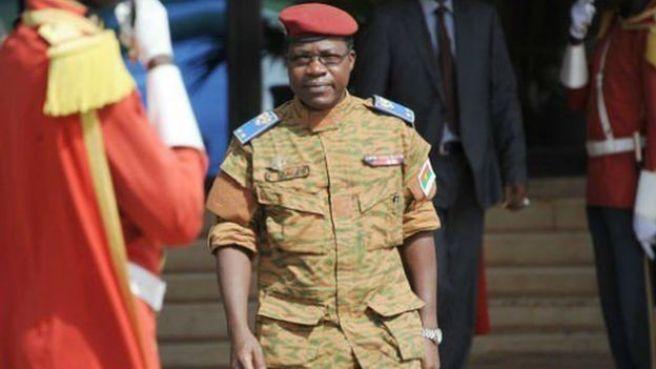 Le General Pingrenoma Zagré était en poste depuis le 1er décembre 2014, à la suite de l'insurrection populaire qui a contraint à la démission le président Blaise Compaoré.