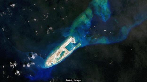Những công trình Bắc Kinh xây đảo nhân tạo tại Biển Đông đã và đang gây tranh chấp.