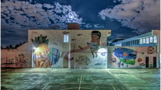 Paredes de hospital psiquiátrico após intervenções artísticas