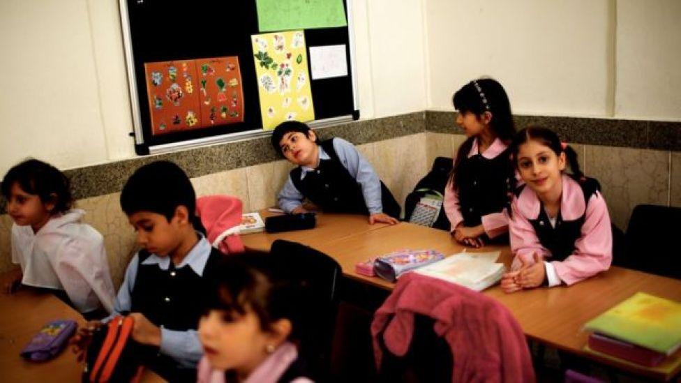 کودکان ارمنی در مدرسه آرمن در جلفای اصفهان
