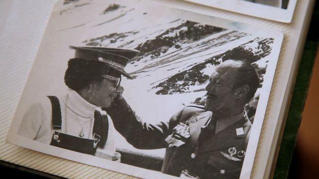 Rivas con un militar