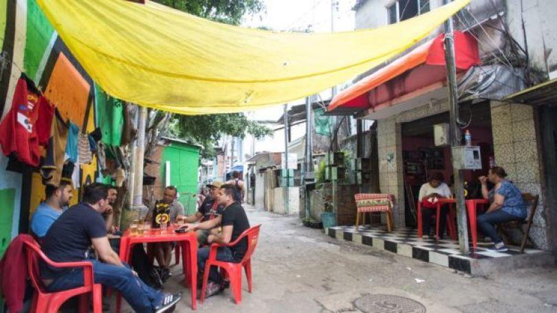 Bar na favela Coliseu
