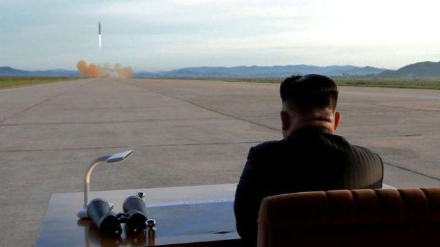 Kim Jong-un vio personalmente un reciente ensayo con misiles