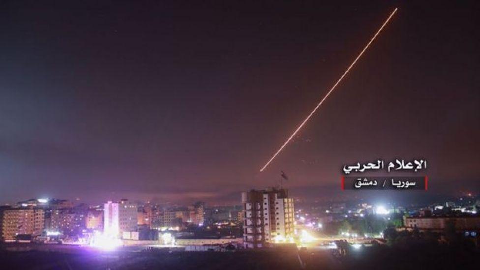 Imágenes del ataque israelí en el cielo de Damasco, Siria.
