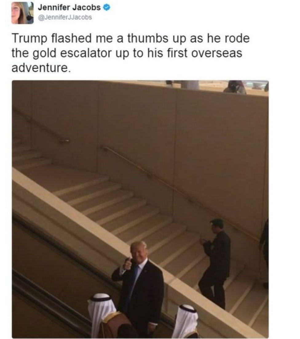 Tweet from Bloomberg reporter Jennifer Jacobs shows President Trump doing a thumbs up sign in Saudi Arabia
