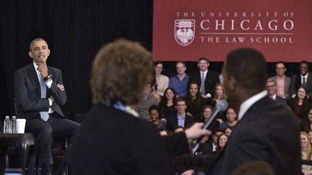 Eski ABD Başkanı Barack Obama da Chicago Üniversitesi'ni ziyaret etmişti.