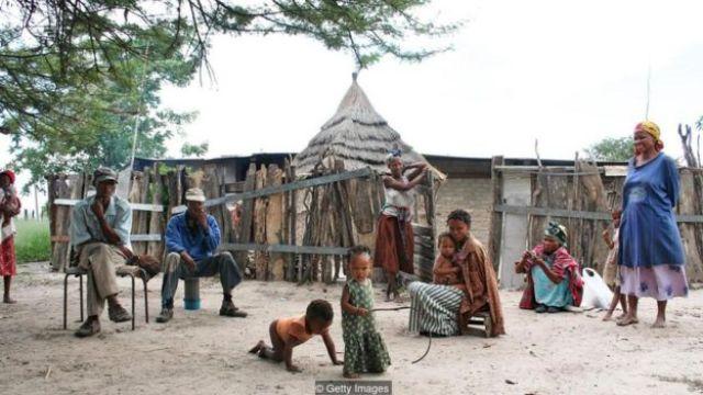 Comunidade de uma pequena vila isolada