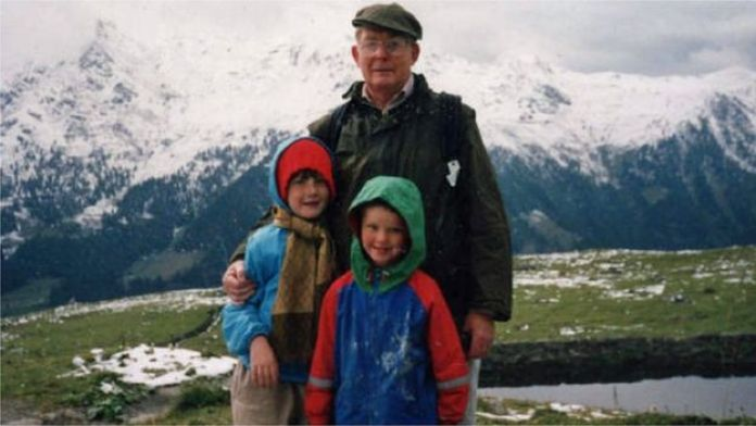 Reg Green en los Alpes suizos con Nicholas y Eleanor.