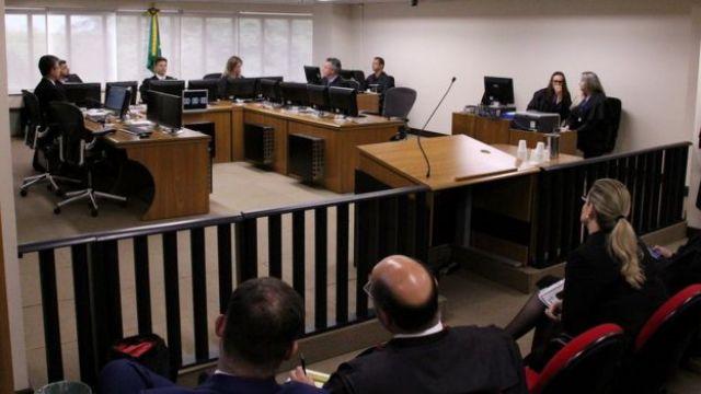 Turma do TRF-4 durante o julgamento desta quarta
