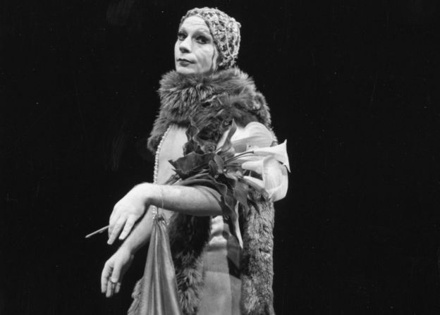 Lindsay Kemp performs in 1974