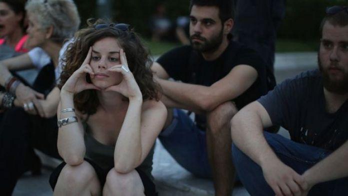 Jóvenes griegos durante una protesta.