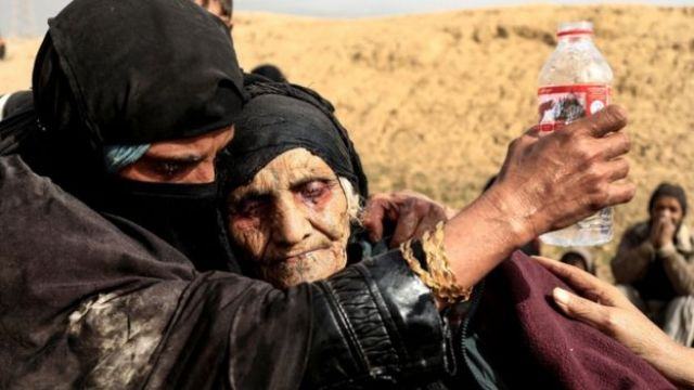 Displaced Iraqi women in western Mosul, February 2017