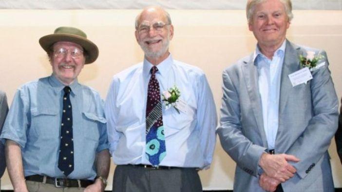 Jefrey C. Hall, Michael Roshbash y Michael Young.