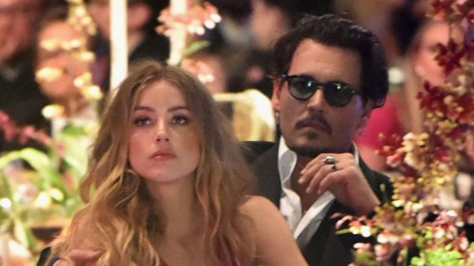Amber Head y Johnny Depp en enero de 2016