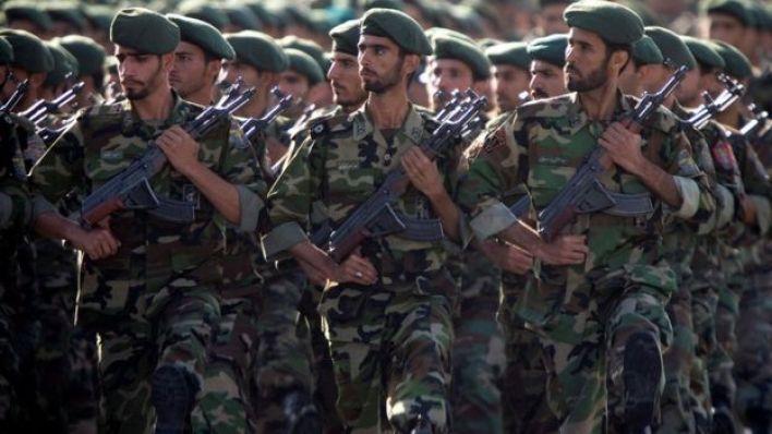أفراد بالحرس الثوري الإيراني