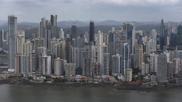 La ciudad de Panamá dio nombre al país.