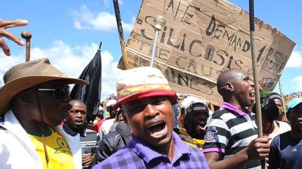 Miners campaigning for silicosis compensation