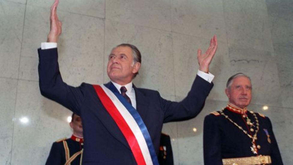 Patricio Aylwin y Augusto Pinochet