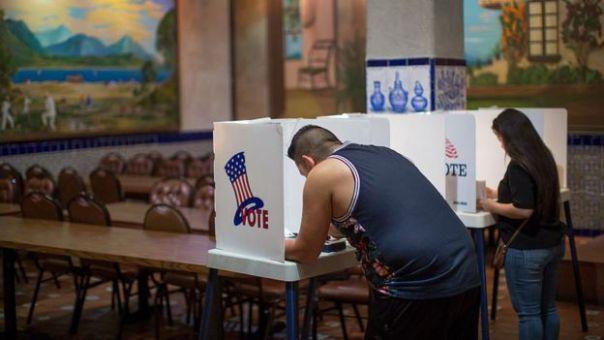 Votantes en Los Ángeles.