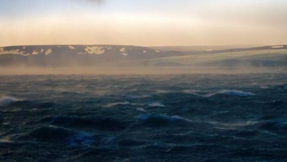 Una toma desde el mar del archipiélago de Novaya Zemlya