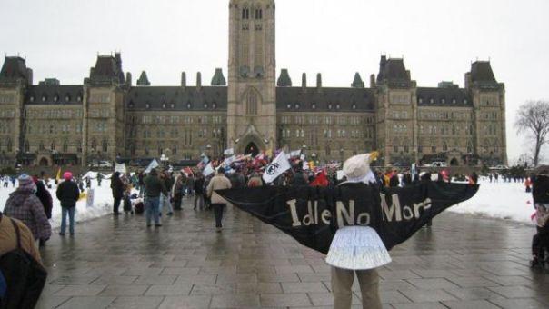 Protestas de los pobladores de Attawapiskat, en Ottawa, capital de Canadá.