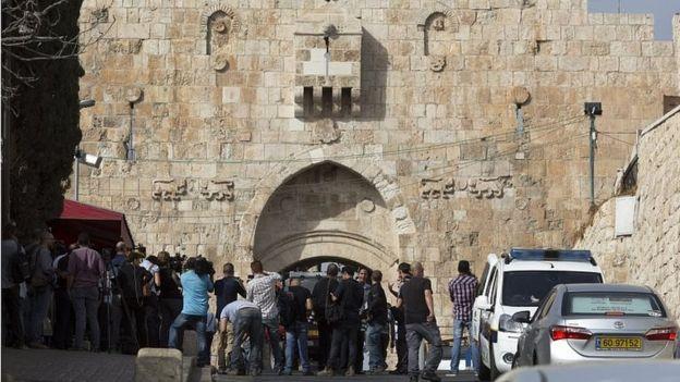 Scene of stabbing at Lions' Gate in Jerusalem's Old City (12/10/15)