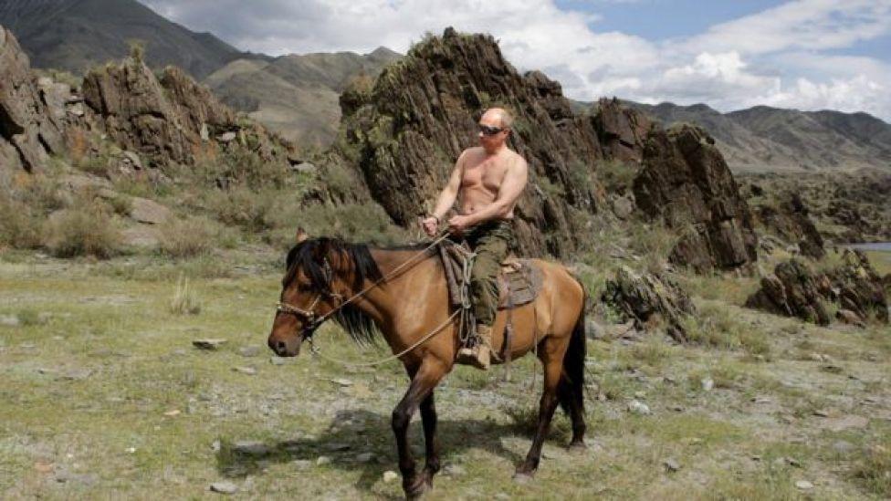 Putin a cavalo
