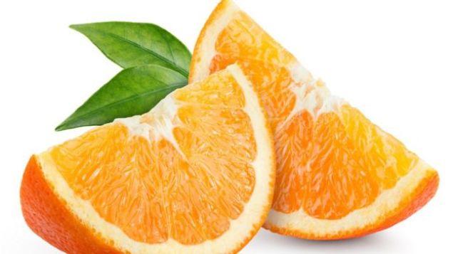 Dos gajos de naranja