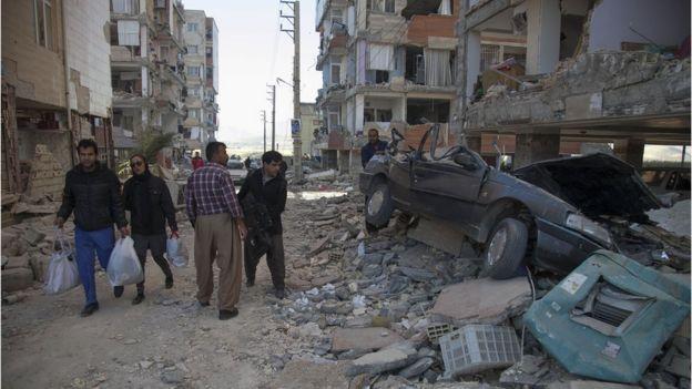 Terremoto na cidade de Sarpol-e Zahab