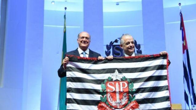 Alckmin e Marcio França, durante transmissão de cargo