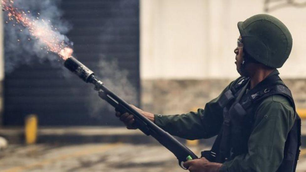 Guardia Nacional dispara.