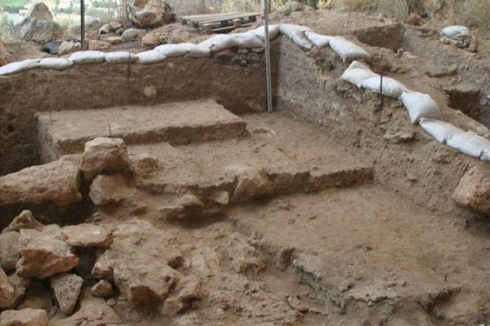 Excavación en la cueva de Misliya.