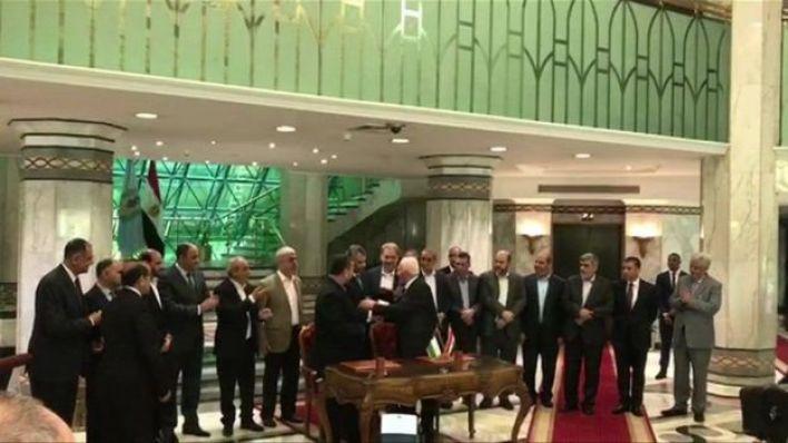 حماس وفتح توقعا اتفاق المصالحة الوطنية في القاهرة
