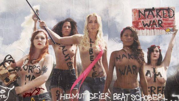 Afiche con activistas de Femen