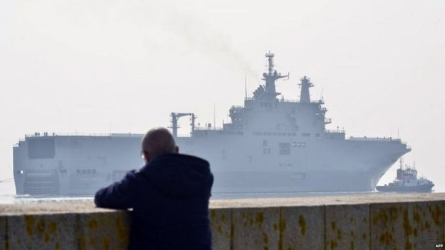 The Sevastopol Mistral warship on its way for its first sea trials (31 July 2015)
