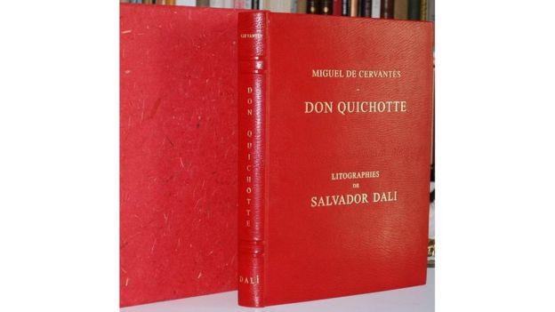 Portada de El Quijote de la Mancha, en una versión editada con litografías de Dalí.